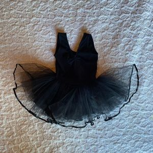Black tutu w ballerina ruffle skirt. Size 1 to 2 T